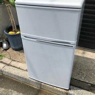 2013年製三協2ドア冷蔵庫90L