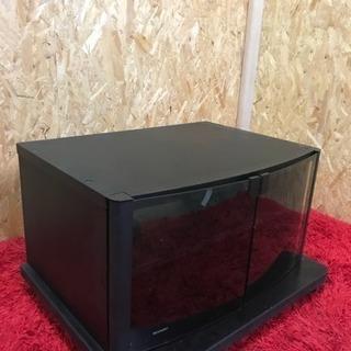 TV台、黒色