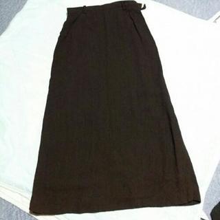 黒のロングスカート