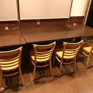 飲食店業務用で使用していたテーブルと椅子のセット