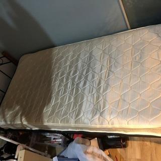 シングルベッド【使用期間2年半】