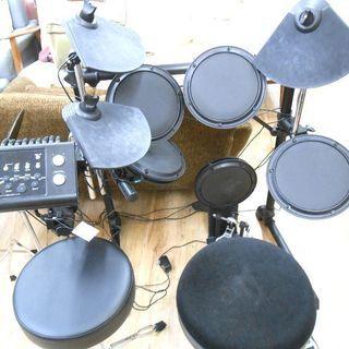 安心の6ヶ月動作保証付き!MEDELIの電子ドラムです。