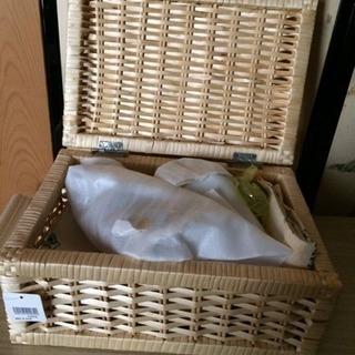 新品 収納カゴ&雑貨付き 収納ボックス
