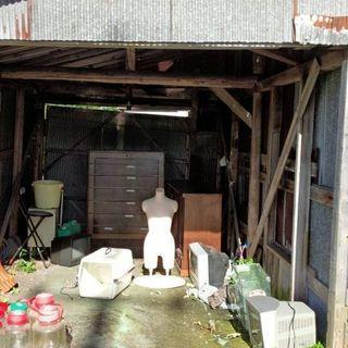 車庫にある物をご自由にお持ち帰りください。