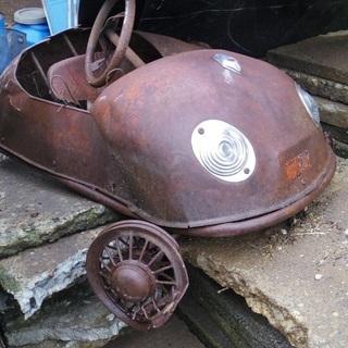 三輪ペダルカー 1960年代生まれのモーリ社製 『スモールバード』