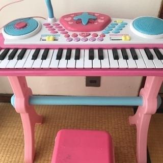 おもちゃのキーボード