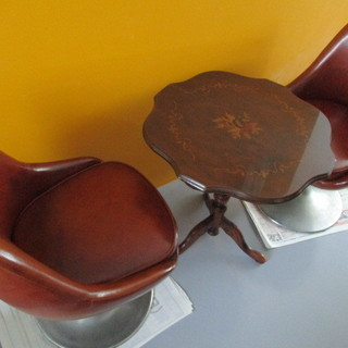 ヨーロピアンテーブル 椅子2脚 レトロ
