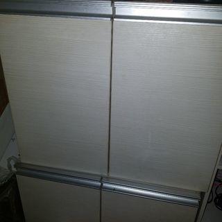 0円!食器棚代わりに使ってました。