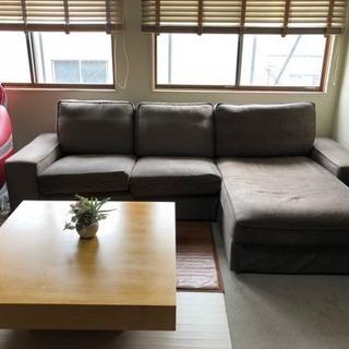高級なソファーとテーブルです。