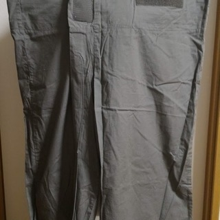 マジックファスナーでとめるズボン(XLサイズ)