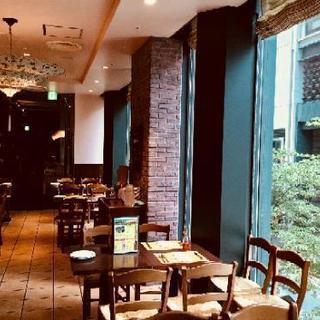 コレド室町1のイタリアンレストランでサービススタッフを大募集