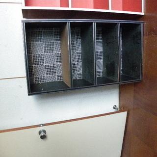 カラーボックス 黒 棚取り外し・穴の間隔での高さ調節OK 無事で...