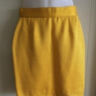 ベルサーチ スカート