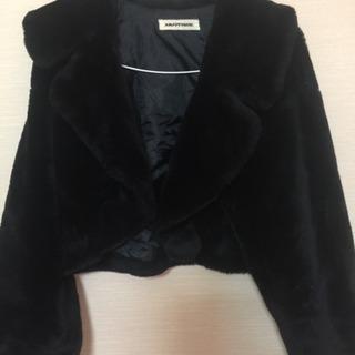 黒色ハーフジャケット