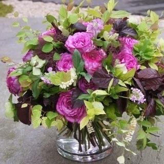 生花*秋のバラと野草のハロウィーンブーケ
