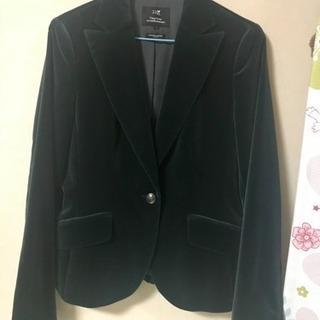23区のダークグリーンのベルベットジャケット