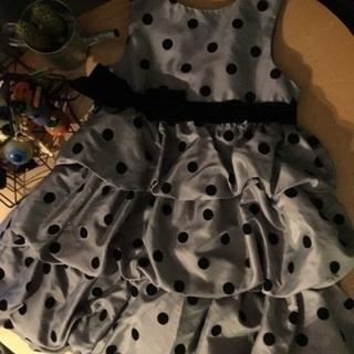 シルバー キラキラ 黒のドットにベロアの黒ベルトドレス