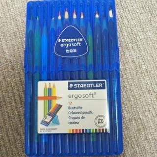 12食の色鉛筆