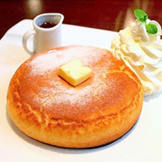 石釜で焼くホットケーキ…♪絵本にでてきそうな可愛い喫茶店