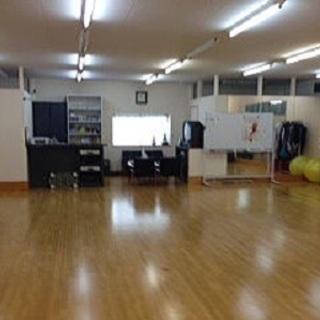 リンディホップ(男女のペアダンス)の無料講習会