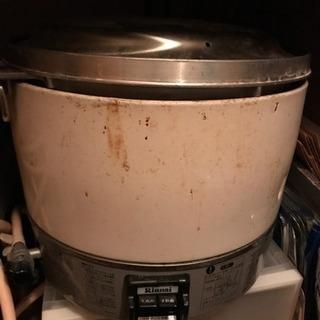 リンナイ 業務用 家庭用 ガス炊飯器 3升 RR-30S1-B