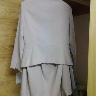(取引中)スカートのスーツ ベージュ ニッセン サイズ11号