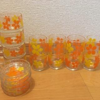 1万円 昭和レトロポップ フラワーデザイングラスやガラス製品セッ...