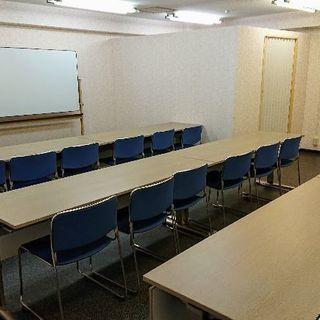 大垣駅徒歩1分 レンタルスペース 会議 ネイル 英会話 占い 自習など