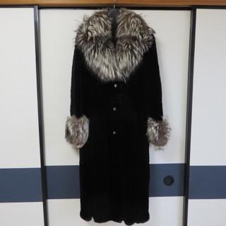 アザラシの毛皮コート(ロング) 黒色