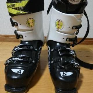 スキーブーツ FISCHER