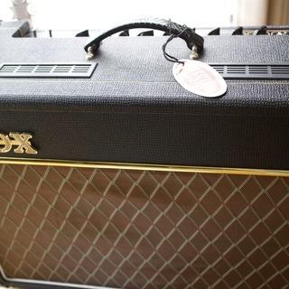 <値下げ!!>【引き取り出来る方!】真空管ギターアンプ VOX ヴ...