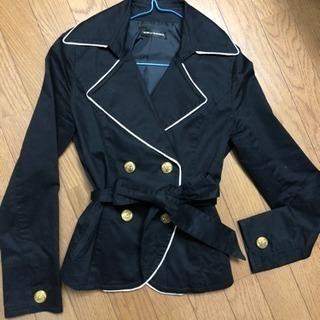 金ボタンのジャケット