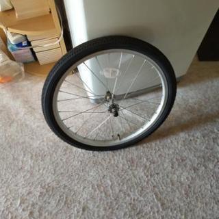 新しい自転車のタイヤ