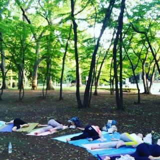 10/20(土)開催:代々木公園パークヨガ / 仕事に役立つヨガ...