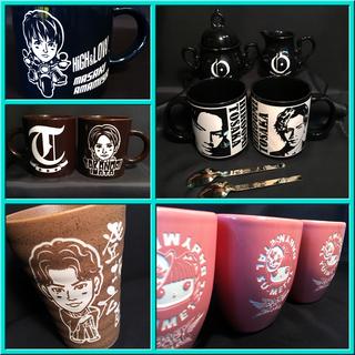 内容は思うまま。自由につくる『陶器彫刻』。 マグカップはプレゼントに喜ばれています!!/基本彫刻料金・・・¥2,300より。 − 愛知県