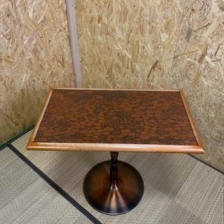 カフェテーブル、銅色テーブル