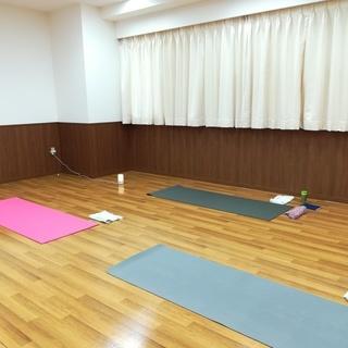 月曜よる@戸塚【寝る前に畳ヨガ♪体も心もほっこり。癒しの時間♪】