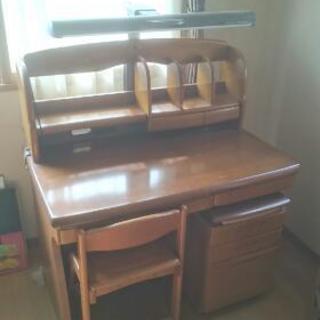イトーキ 学習机 引き出し 椅子 電灯付き