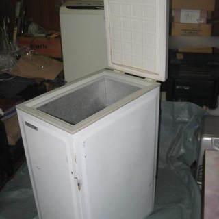 ノーフロスト 冷凍庫 SNF60 上開き 中古