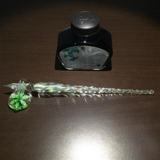 ガラスペンとガラスペン置きとボトルインク