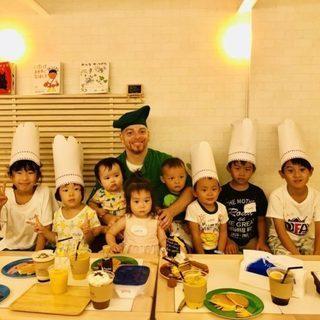 外国人シェフと英語で親子クッキング体験 (フレンチ風クレープ作り)