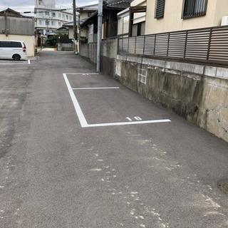 桃山台近く 青空駐車場 広い 停めやすい