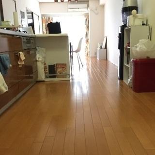 【南森町・大阪天満宮へ徒歩1分  シェアルーム 女性限定 11/1...