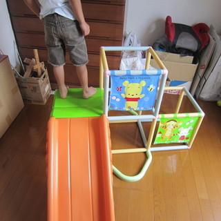 室内用滑り台つきジャングルジムです
