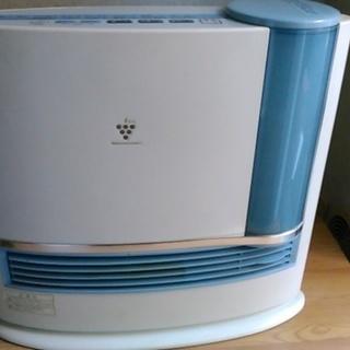 寒い季節に。シャープ暖房器具HX-...