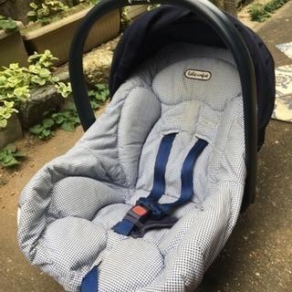 赤ちゃん用チャイルドシートあげます