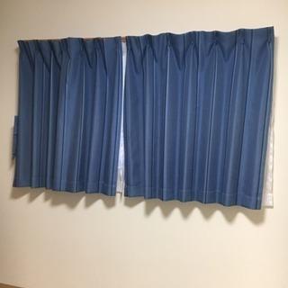 ブルーのストライプカーテン