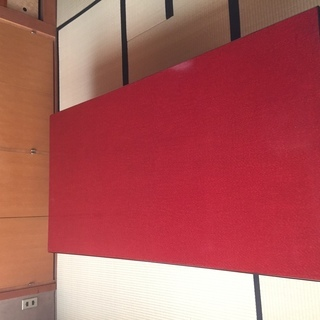 朱塗りの和テーブル