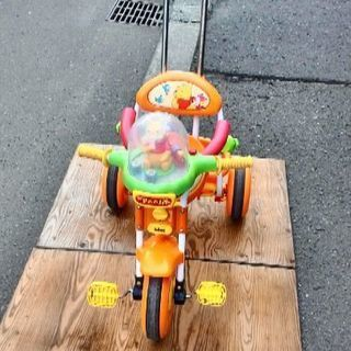 Poohさんの三輪車(音楽付き)