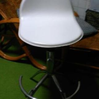 (値下げ)ホワイトの椅子